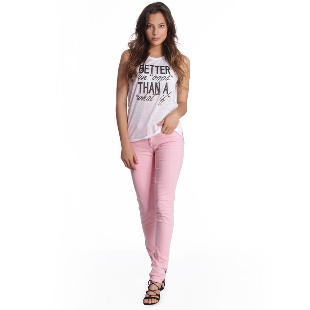 55578_pantalon_carol_super_slim_denim_rosa_perfil_look