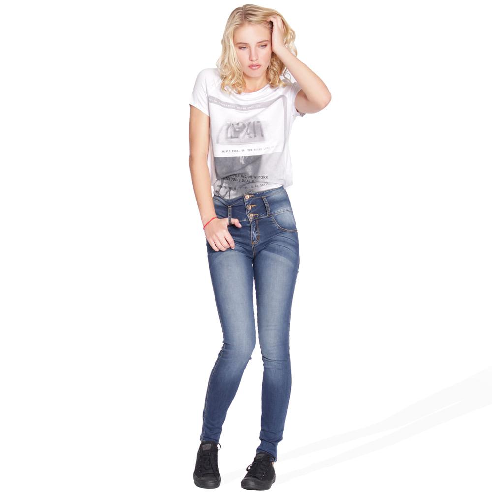 58887_playera_lp3646_blanco_perfil_look.jpg