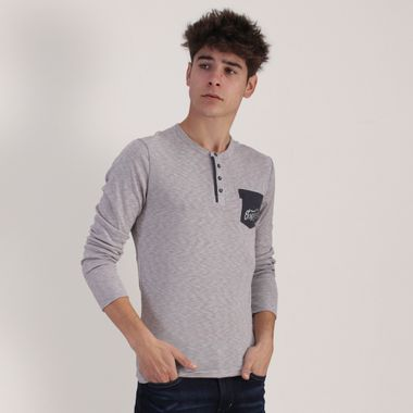 PLAYERA-MODA-COLOR-GRIS-MANGA-LARGA-CUELLO-HENLEY-RED