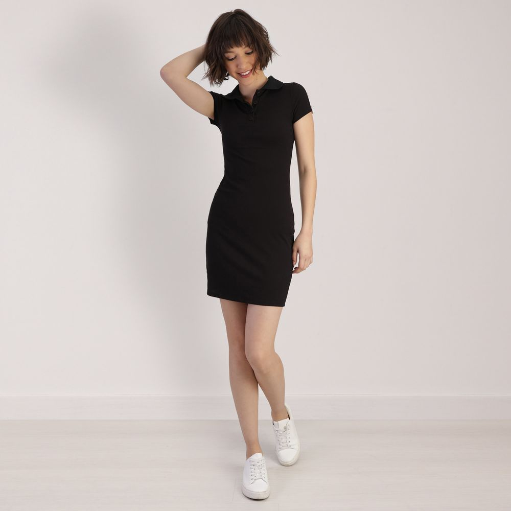 Vestido Corto Con Cuello Tipo Polo Negro Manga Corta